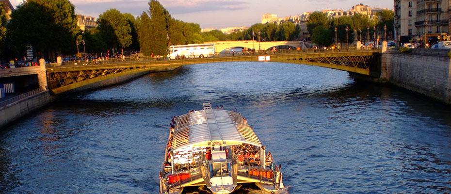 巴黎塞纳河游览