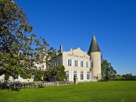 Lafite-Rothschild-Copyright.-F.-Poincet