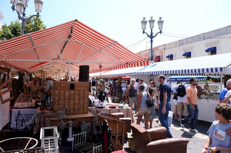 法国集市-当地游玩
